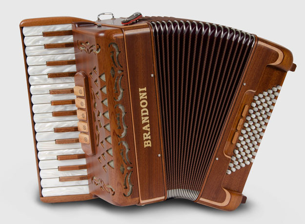 Brandoni 65W piano accordion