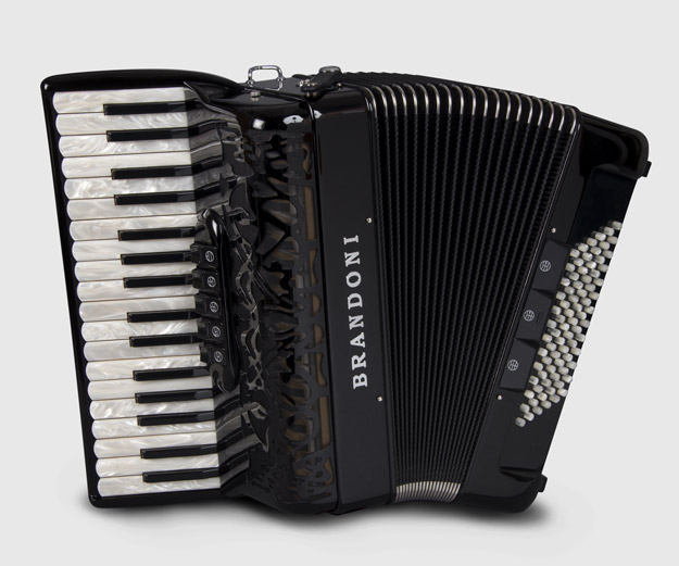 Brandoni 66C piano accordion