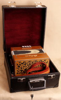 Square hard case for 2-row button accordion